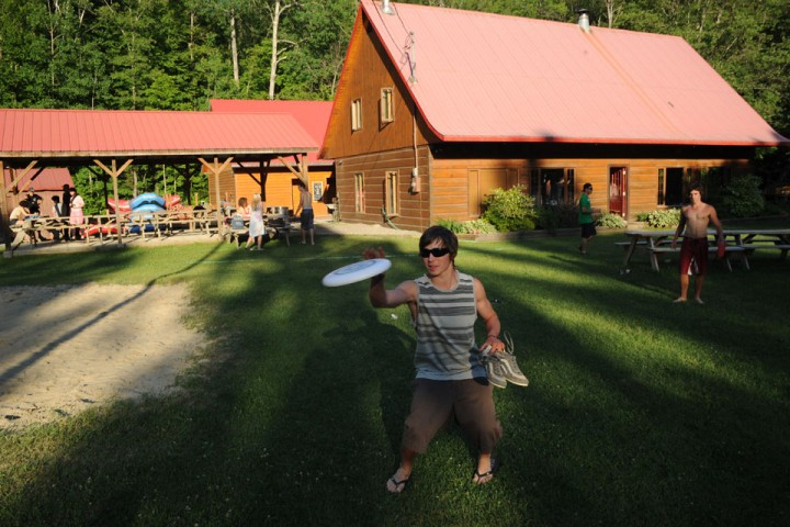 Our base camp offers lots of place for frisbee, volley-ball or soccer games!